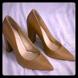 Jessica Simpson Tan Leather Heels